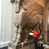 Cleaning and retouching of the Winged Bull at the British Museum